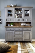 Obývací a jídelní nábytek ANTIC grey_kombinovaná vitrina typ 15 v interieru_čelní pohled_obr. 6