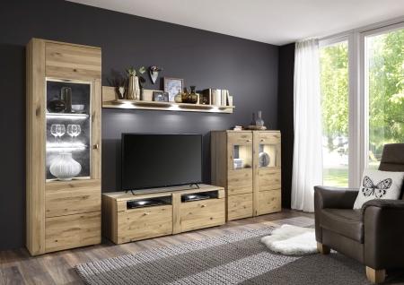 Návrh obývací sestavy ASTOR_vitrina 09 + TV spodní díl 02 + závěsná police 23 + highboard 17_možnost volitelného LED osvětlení_obr. 1
