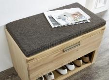 Předsíňový nábytek BASE_detail lavice s polštářem na sezení_obr. 11