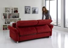 Sofa s funkcí na spaní COMFORT SLEEP_šířka sedáku 162 cm, područky tap 21, vzhled polštářů typ A, korpus typ A, plocha na spaní 148 x 200 cm_v látce Kati bordeaux_obr. 11