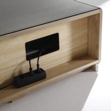 Celomasivní dubový nábytek DELGADO_detail kabelového vedení_obr. 46