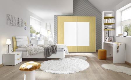 Dětský a studentský nábytek ESPERO (žlutá varianta)_šatní skříň s posuvnými dveřmi (Quadr.-optika), š. 243 cm_ postel 120 cm + čalouněný díl_ noční stolek_psací stůl 138 cm_regál s 3 policemi, v. 230 cm_obr. 3