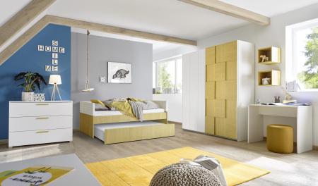 Dětský a studentský nábytek ESPERO (žlutá varianta)_šatní skříň s posuvnými dveřmi (3D-optika), š. 243 cm_postel 90 cm + čalouněný díl + otevřená zásuvka pod postel_komoda_psací stůl 90 cm_1x sada stěnových regálů_obr. 5
