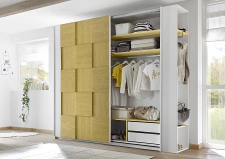 Šatní skříň s posuvnými dveřmi ESPERO (3D-optika) 243x230 cm_otevřená_zásuvková vložka + žluté police_typy 671705-243-B_674302-41_674302-243-7_obr. 13