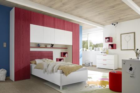 """Dětský a studenstký nábytek ESPERO (červená varianta)_skříňový """"most"""" nad postel 310x234 cm_postel 90 cm_regálová police_komoda_2x sada nástěných regálů_obr. 5"""