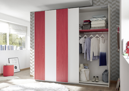 Šatní skříň s posuvnými dveřmi ESPERO (Vertiko-optika) 243x230 cm_otevřená_ červená police_typy 671703-243-R_676602-243-7_obr. 16
