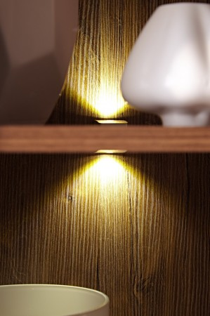 Obývací stěna Brüssel_ detail vnitřního LED osvětlení_2