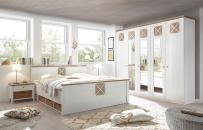 Ložnice SCANDIA_postel s podstavbou_noční stolky s proutěnými košíky_obr. 1