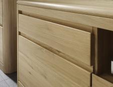Obývací a jídelní nábytek DENVER_detail provedení frézování - úchytek_dub bianco masiv