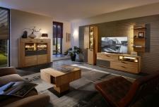 Obývací a jídelní nábytek LAUSANNE_sestava 45 65 HH 91 + highboard 22 + konferenční stůl 20 65 HH 02_noční pohled_obr. 4
