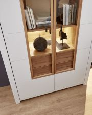 Obývací a jídelní nábytek NIZZA _detail vitriny 03 _ obr. 16