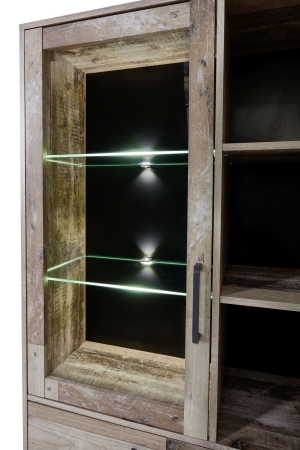 Obývací a jídelní nábytek RIVER_detail LED osvětlení vitriny_obr. 11