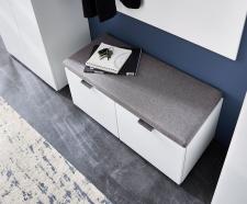 Předsíňový nábytek QUICK_ detail lavice s polštářem_ obr. 5