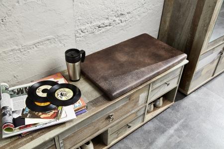 Předsíňový nábytek PROVENCE_detail lavice s polštářem_obr. 12