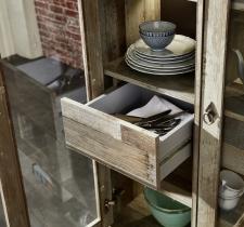 Obývací a jídelní nábytek PROVENCE_detail zásuvek_obr. 13