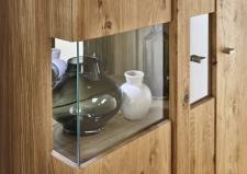 Obývací nábytek TIZIANO_detail rohového prosklení vitriny_obr. 3