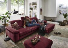 Sedací souprava TORONTO Lounge_sestava 2,5AL-LARmaxi_v látce Easy care dark red_foto s modelem_obr. 4